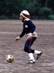 8hr_bob_marley_dribbling_ball.jpg