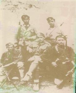 ΕΛΑΣίτες 1941-1944. Όρθιοι από αριστερά: Καραγιάννης Κωνσταντίνος Ιτέα Γρεβενών - Μαυρίδης Γιώργος Κολοκυθάκι Γρεβενών - Κάτω :Μηνάς Αρλουμανίδης (Αρμένιος) Κέντρο Γρεβενών - Ζυγούρας Δημήτρης (Παλαιολόγος) - Τσίρος Δημήτρης (Μπίντιας) Αιανή